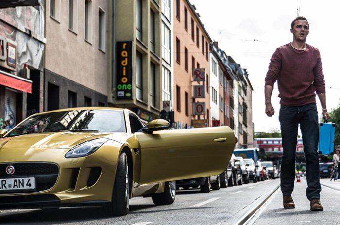 Non fate imbestialire Nicholas Hoult nel trailer dell'action movie Collide