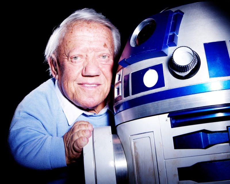 Addio a Kenny Baker - L'attore aveva dato vita al mitico R2-D2 in Star Wars