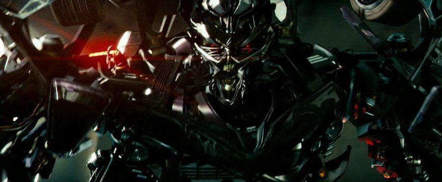 Transformers: The Last Knight - Torna Barricade, ecco il suo nuovo look