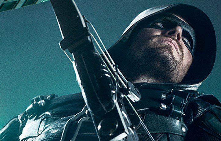 Ascolti in netto ribasso per la premiere della quinta stagione di Arrow