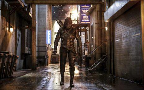 Arrow quinta stagione - Chi si nasconde sotto il costume del nuovo villain Prometheus?