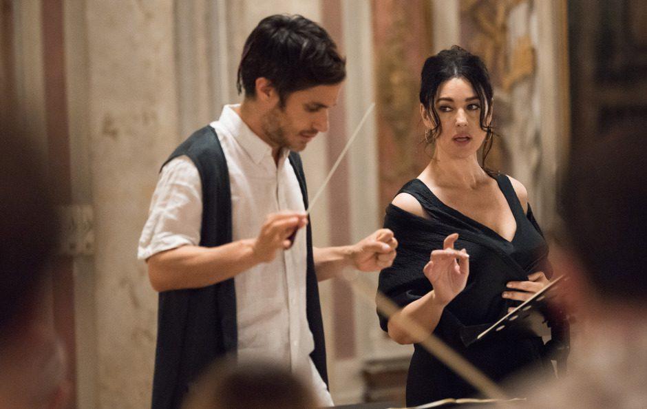 [Il Mondo delle Serie Tv] Monica Bellucci s'improvvisa cantante lirica in Mozart in the Jungle 3