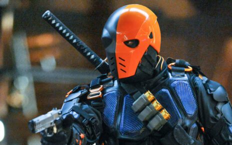 deathstroke in arrow 5, manu bennett ritorna