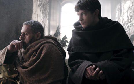 Nubi e misteri nel teaser trailer di Il Nome della Rosa, la serie Rai