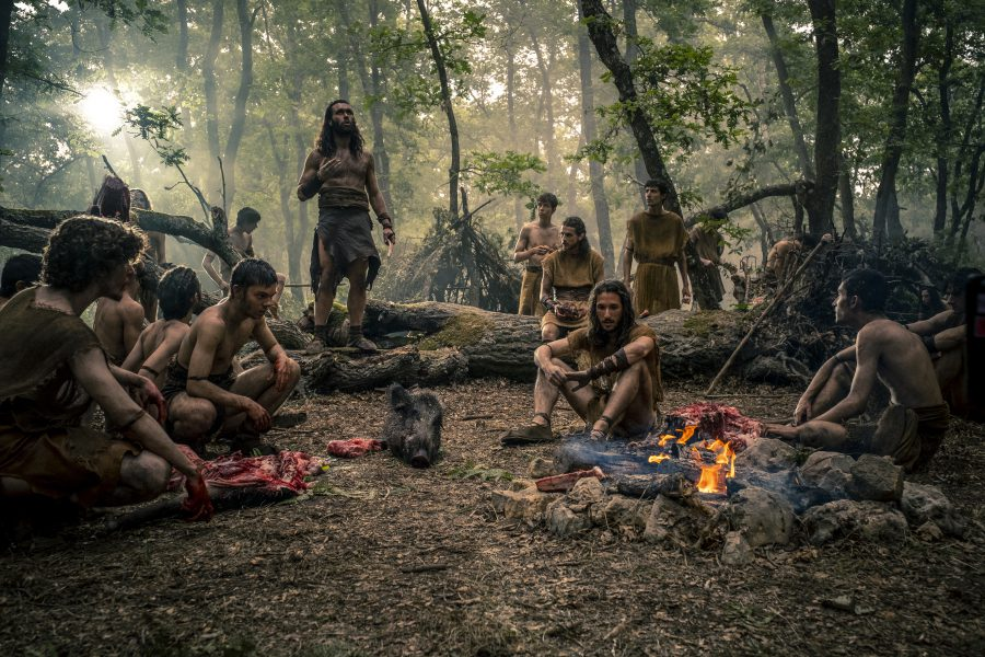 Approdate in rete le prime foto ufficiali di Romulus, la serie tratta da Il Primo Re