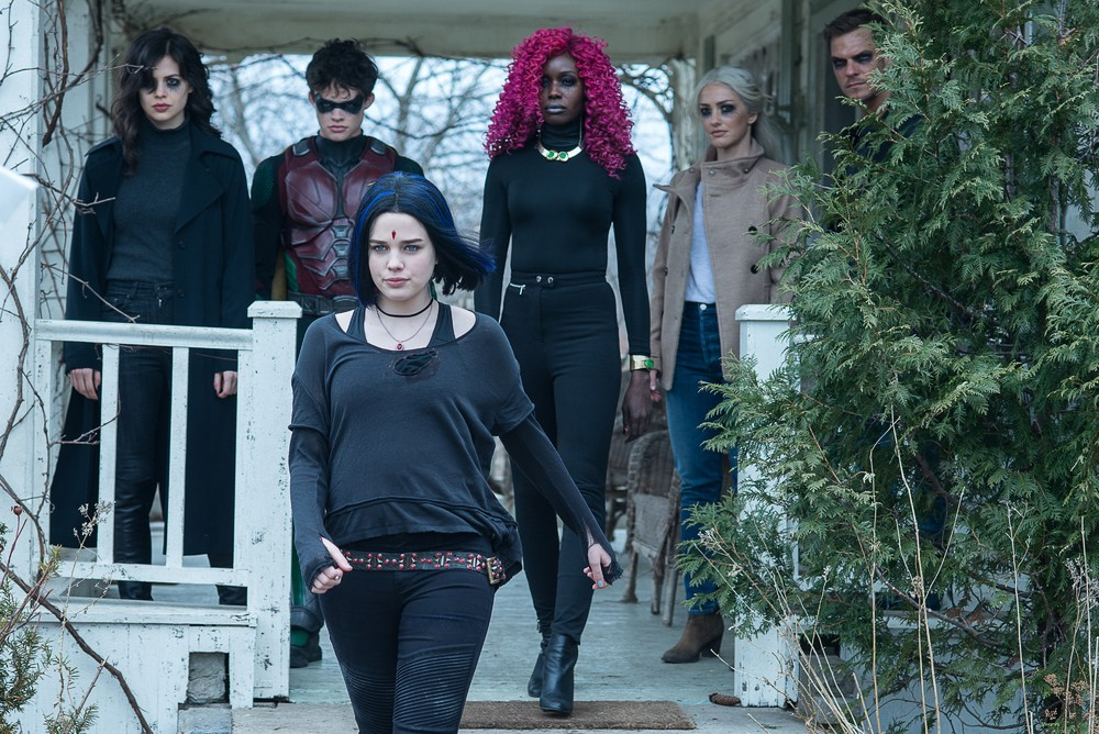 Prime foto dalla nuova stagione della serie tv Titans