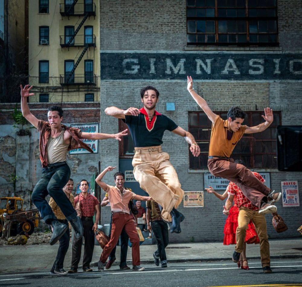Si danza nelle nuove foto di West Side Story
