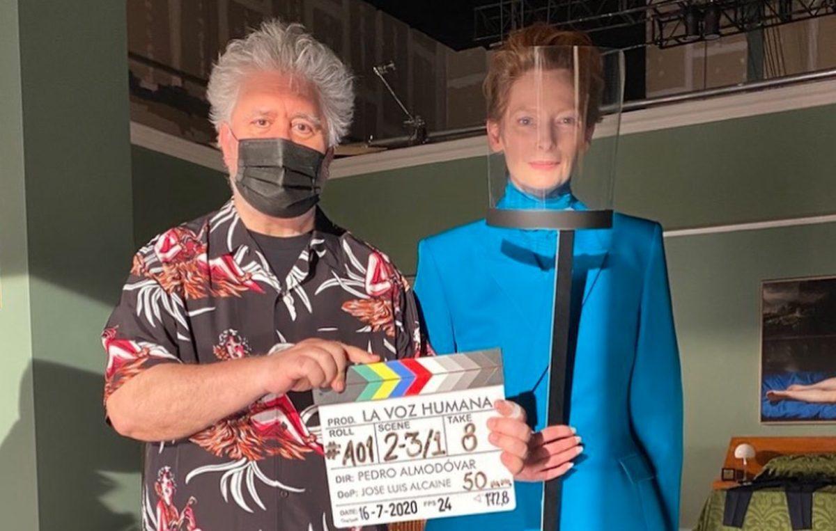 La Voce umana: prima foto di Pedro Almodóvar e Tilda Swinton sul set