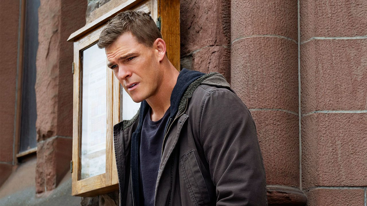 Alan Ritchson in Jack Reacher