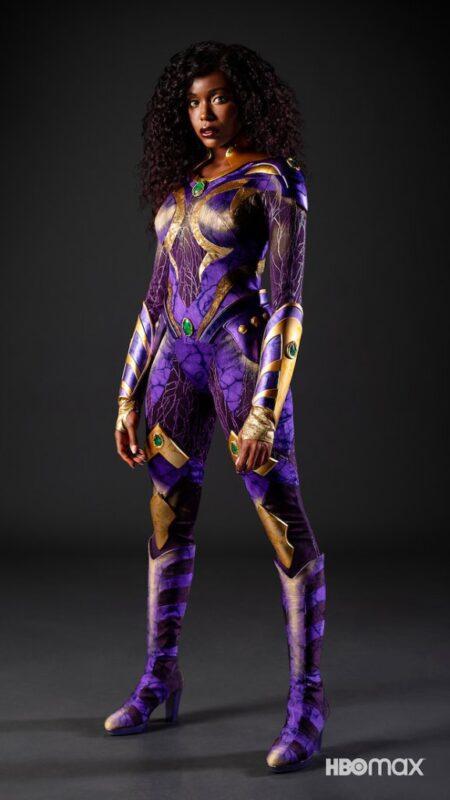 Titans: Il nuovo costume di Starfire nella terza stagione