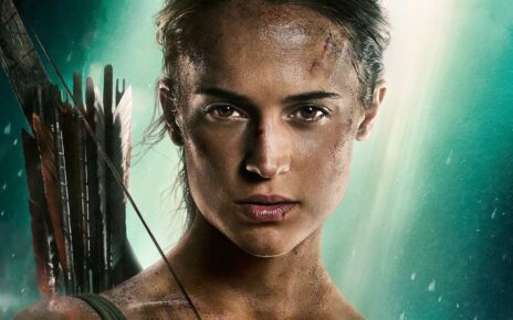 Tomb Raider 2 regista