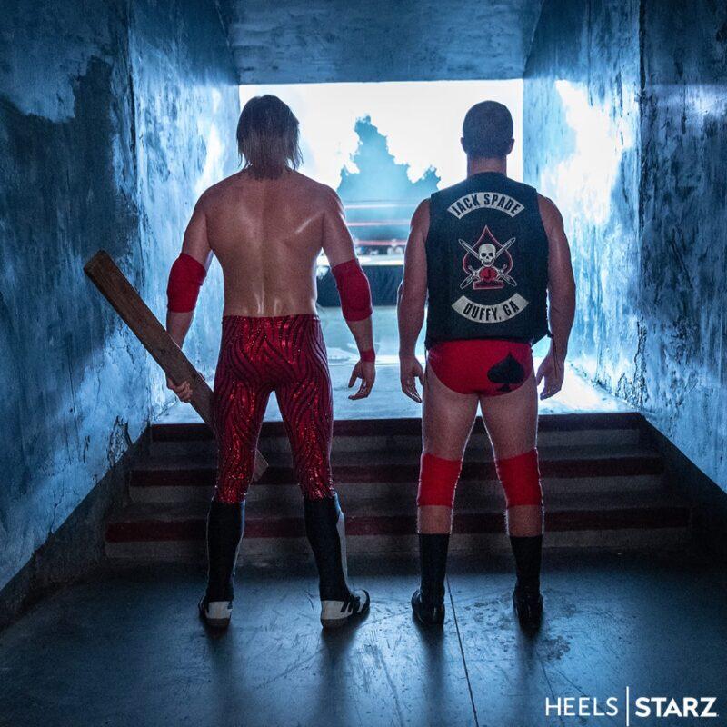 Da Starz le prime foto di Heels, la serie con Stephen Amell